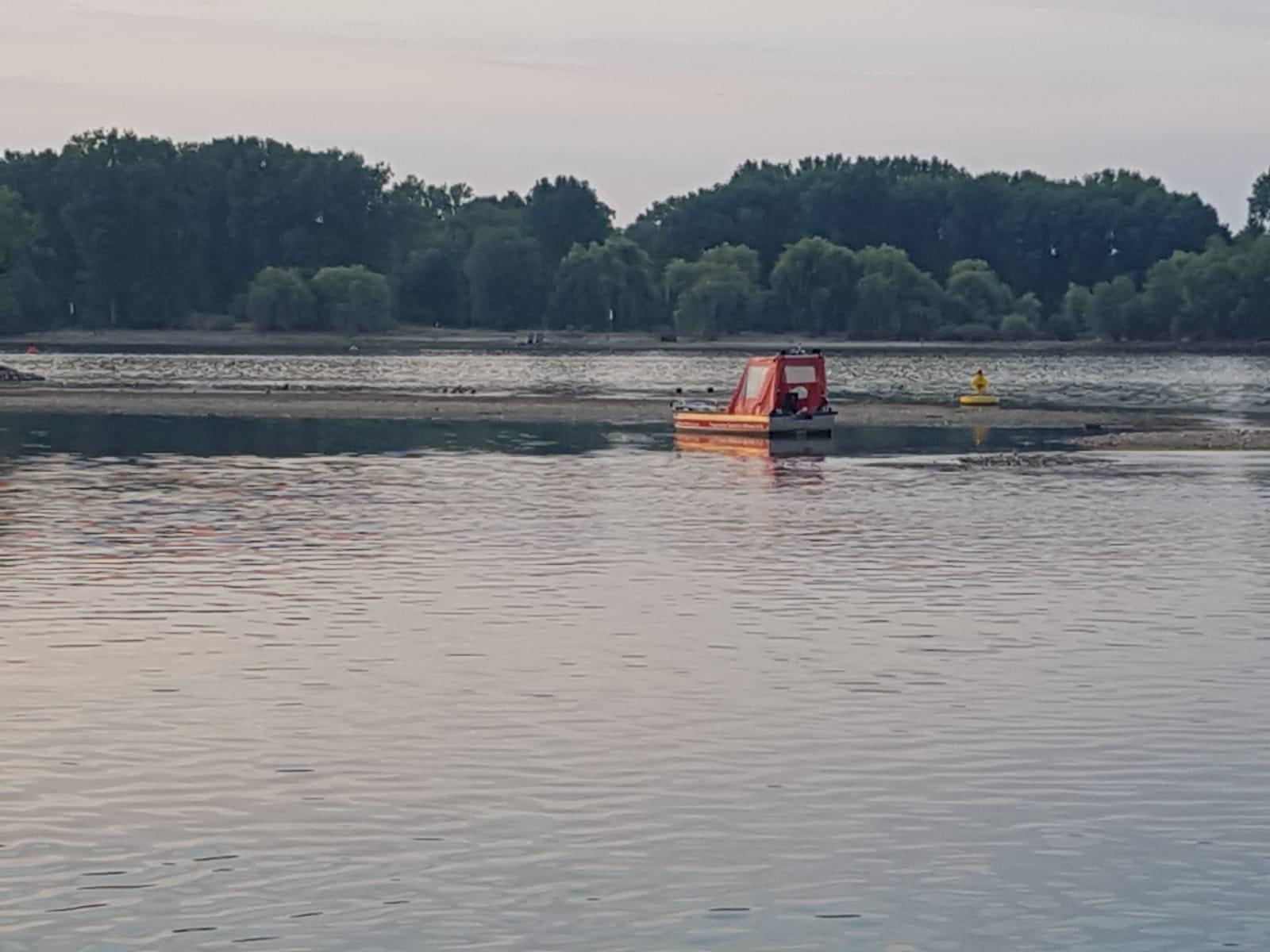 Diebe klauen Motor vom Feuerwehrboot in Oestrich-Winkel